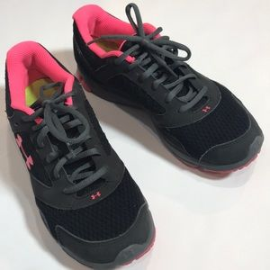 Under Armour Black and Pink tennis shoes SZ 8